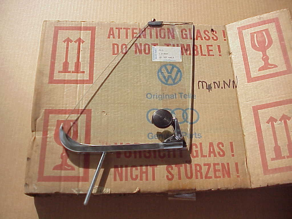 NOS GERMAN VENT WINDOW GLASS ASSEMBLY 1973-79 PASS. SIDE